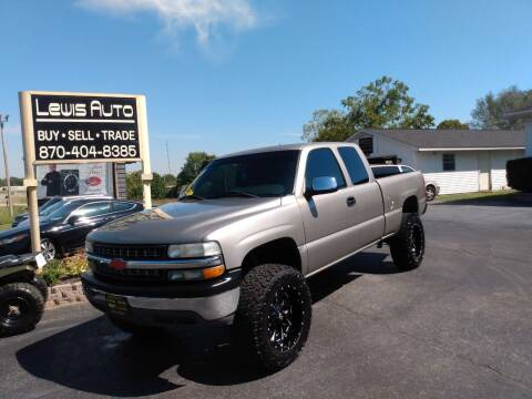 2001 Chevrolet Silverado 1500 for sale at LEWIS AUTO in Mountain Home AR