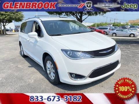 2018 Chrysler Pacifica for sale at Glenbrook Dodge Chrysler Jeep Ram and Fiat in Fort Wayne IN
