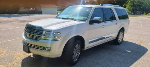 2011 Lincoln Navigator L for sale at Allied Fleet Sales in Saint Charles MO