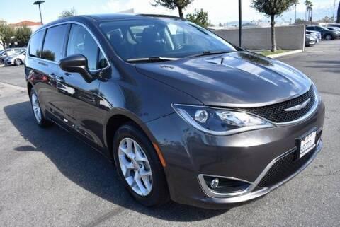 2017 Chrysler Pacifica for sale at DIAMOND VALLEY HONDA in Hemet CA