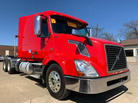 2015 Volvo VNL for sale at Victory Motors in Waterloo IA