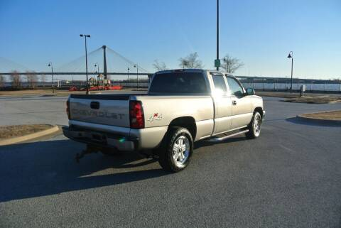 2007 Chevrolet Silverado 1500 Classic for sale at BRADNICK PAST & PRESENT AUTO in Alton IL