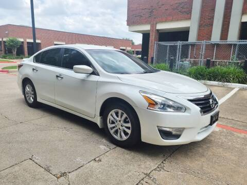 2014 Nissan Altima for sale at DFW Autohaus in Dallas TX