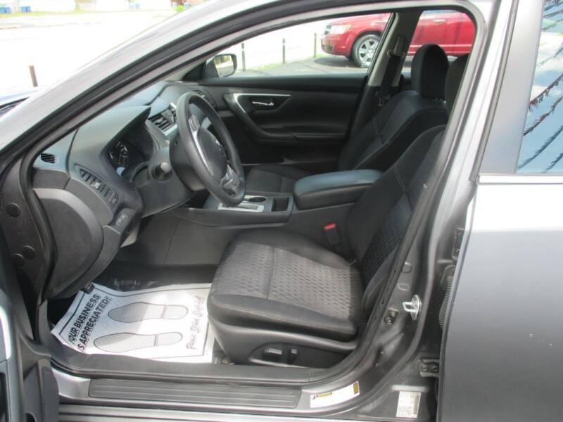 2016 Nissan Altima 2.5 4dr Sedan - Calumet City IL