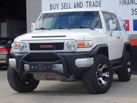 2010 Toyota FJ Cruiser for sale at Deal Maker of Gainesville in Gainesville FL