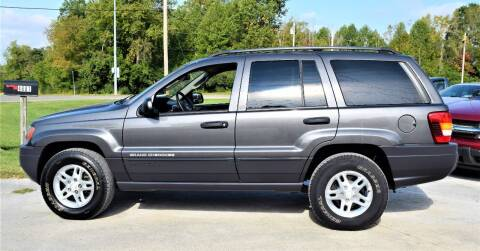 2004 Jeep Grand Cherokee for sale at PINNACLE ROAD AUTOMOTIVE LLC in Moraine OH