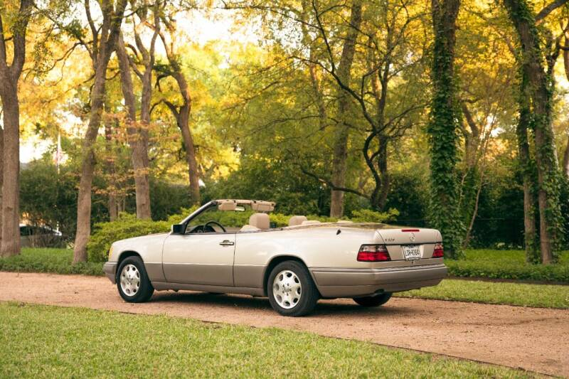 1995 Mercedes-Benz E-Class for sale at Enthusiast Motorcars of Texas in Rowlett TX