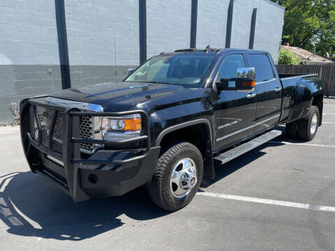 2015 GMC Sierra 3500HD for sale at APX Auto Brokers in Lynnwood WA