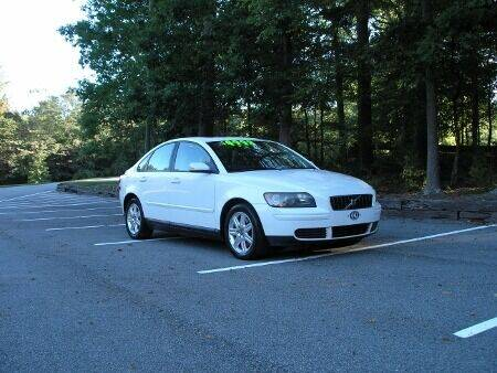 2006 Volvo S40 for sale at RICH AUTOMOTIVE Inc in High Point NC