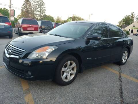 2009 Nissan Altima Hybrid for sale at J's Auto Exchange in Derry NH