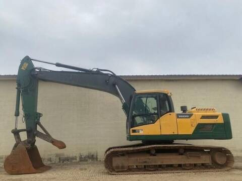 2013 Volvo EC220DL - MANUAL THUMB for sale at Vehicle Network - Milam's Equipment Sales in Sutherlin VA