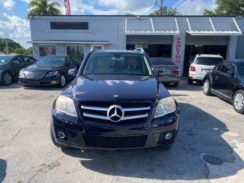 2010 Mercedes-Benz GLK for sale at America Auto Wholesale Inc in Miami FL