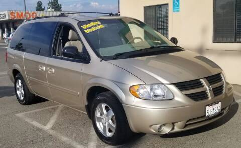 2005 Dodge Grand Caravan for sale at Showcase Luxury Cars II in Pinedale CA