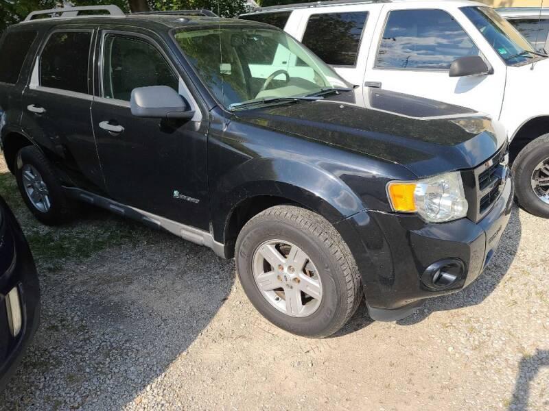2009 Ford Escape Hybrid for sale at Claborn Motors, LLC. in Cambridge City IN