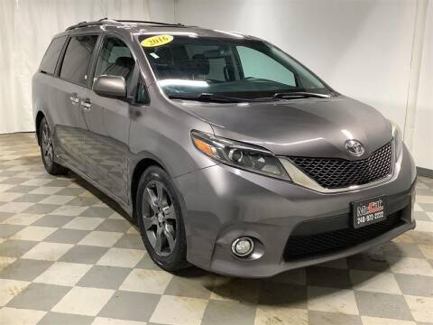 2016 Toyota Sienna for sale at Mr. Car City in Brentwood MD