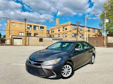2015 Toyota Camry Hybrid for sale at ARCH AUTO SALES in St. Louis MO