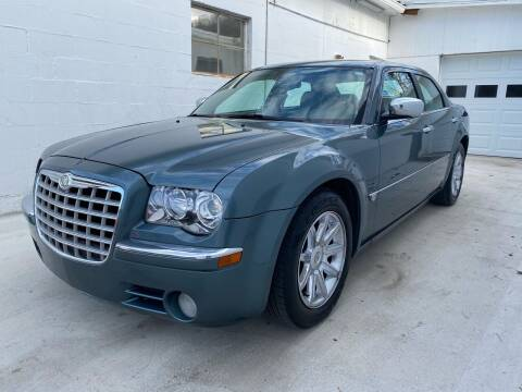 2005 Chrysler 300 for sale at BOLLING'S AUTO in Bristol TN