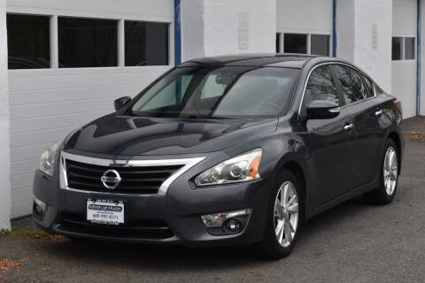 2013 Nissan Altima for sale at IdealCarsUSA.com in East Windsor NJ