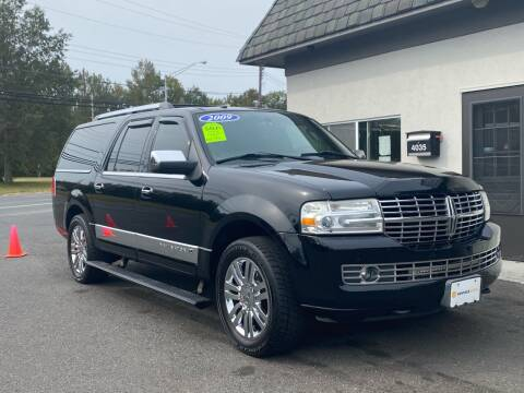2009 Lincoln Navigator L for sale at Vantage Auto Group in Tinton Falls NJ