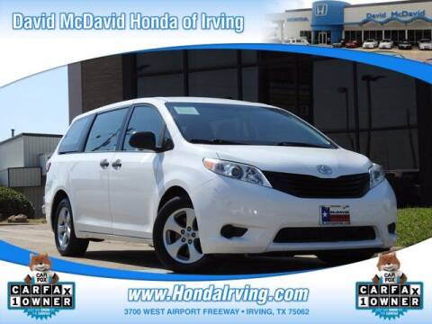 2017 Toyota Sienna for sale at DAVID McDAVID HONDA OF IRVING in Irving TX