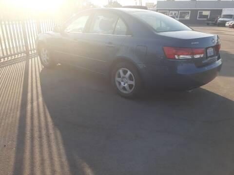 2006 Hyundai Sonata for sale at COMMUNITY AUTO in Fresno CA