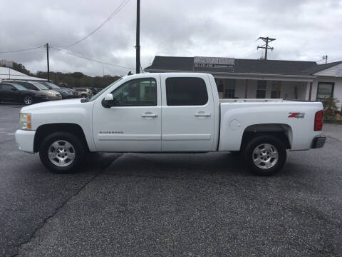 2007 Chevrolet Silverado 1500 for sale at TAVERN MOTORS in Laurens SC