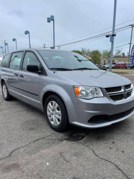 2016 Dodge Grand Caravan for sale at R&R Car Company in Mount Clemens MI