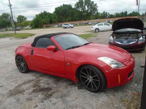 2005 Nissan 350Z for sale at SCOTT HARRISON MOTOR CO in Houston TX