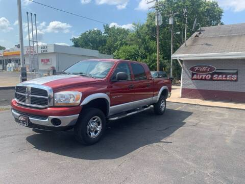 2006 Dodge Ram Pickup 1500 for sale at PETE'S AUTO SALES - Middletown in Middletown OH