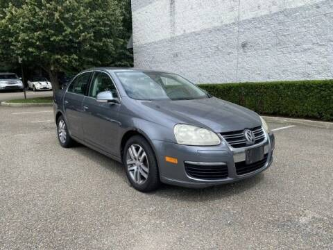 2006 Volkswagen Jetta for sale at Select Auto in Smithtown NY