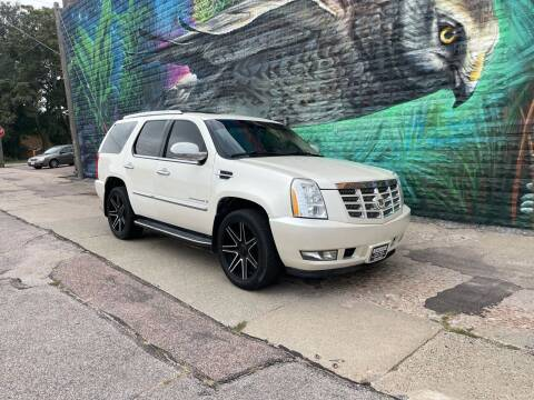 2008 Cadillac Escalade for sale at RIVERSIDE AUTO SALES in Sioux City IA
