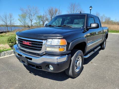 2006 GMC Sierra 2500HD for sale at DISTINCT IMPORTS in Cinnaminson NJ