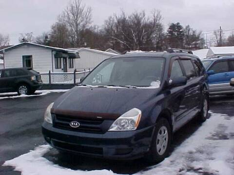2006 Kia Sedona for sale at Bates Auto & Truck Center in Zanesville OH