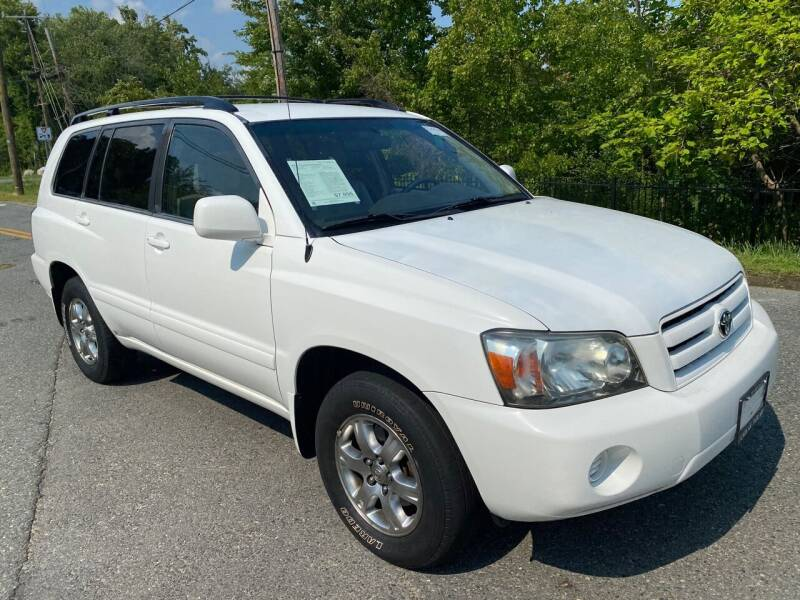 2005 Toyota Highlander for sale at Used Cars of Fairfax LLC in Woodbridge VA