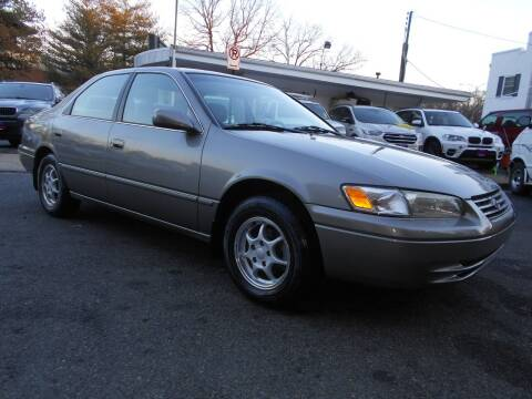 1998 Toyota Camry for sale at H & R Auto in Arlington VA