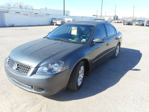 2006 Nissan Altima for sale at AUGE'S SALES AND SERVICE in Belen NM