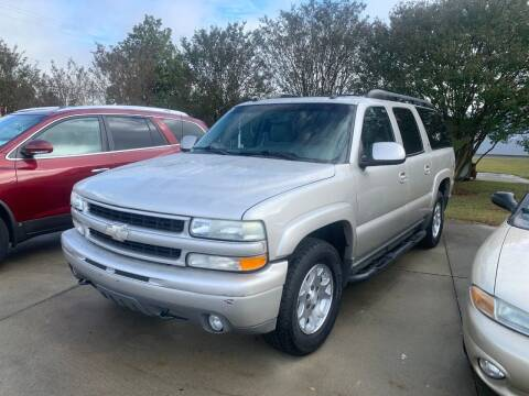 2005 Chevrolet Suburban for sale at Getsinger's Used Cars in Anderson SC