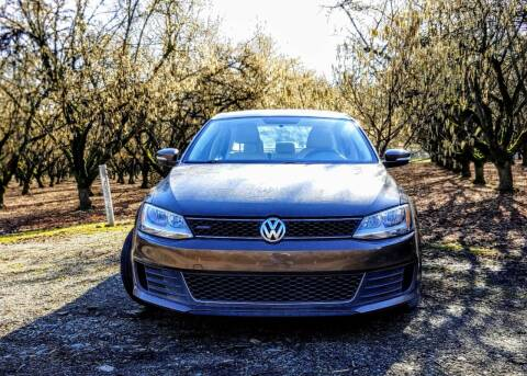 2012 Volkswagen Jetta for sale at M AND S CAR SALES LLC in Independence OR