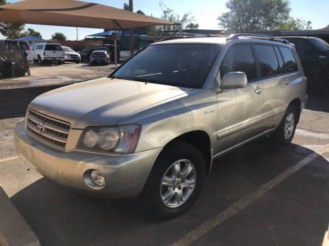 2001 Toyota Highlander for sale at Valley Auto Center in Phoenix AZ