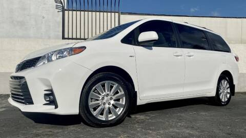 2017 Toyota Sienna for sale at New City Auto - Retail Inventory in South El Monte CA