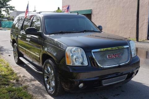 2013 GMC Yukon XL for sale at SUPER DEAL MOTORS in Hollywood FL
