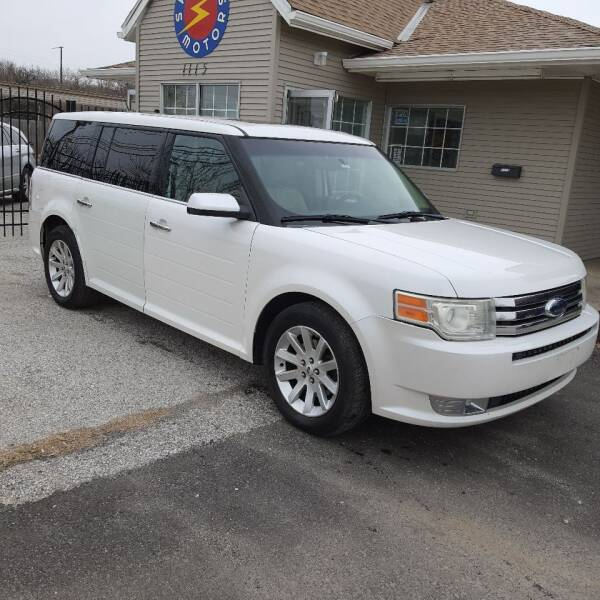 2009 Ford Flex for sale at Spark Motors in Kansas City MO