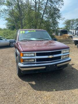1999 Chevrolet Suburban for sale at A & M Auto Wholesale in Tillamook OR
