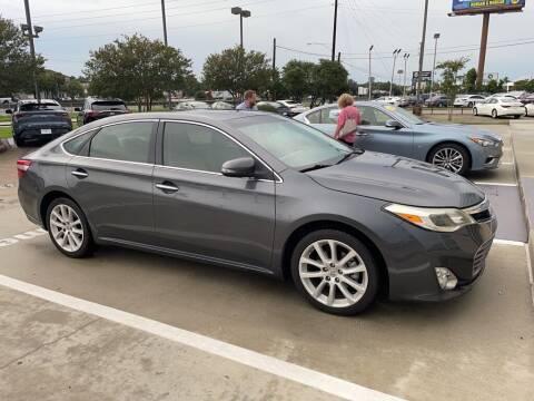 2013 Toyota Avalon for sale at JOE BULLARD USED CARS in Mobile AL