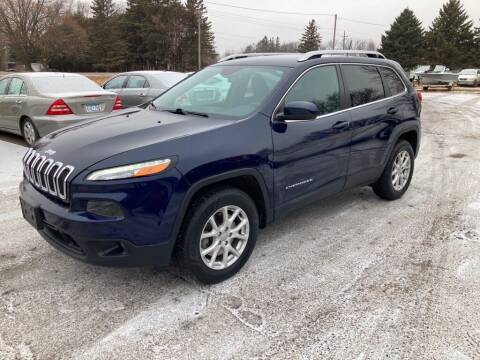 2016 Jeep Cherokee for sale at COUNTRYSIDE AUTO INC in Austin MN