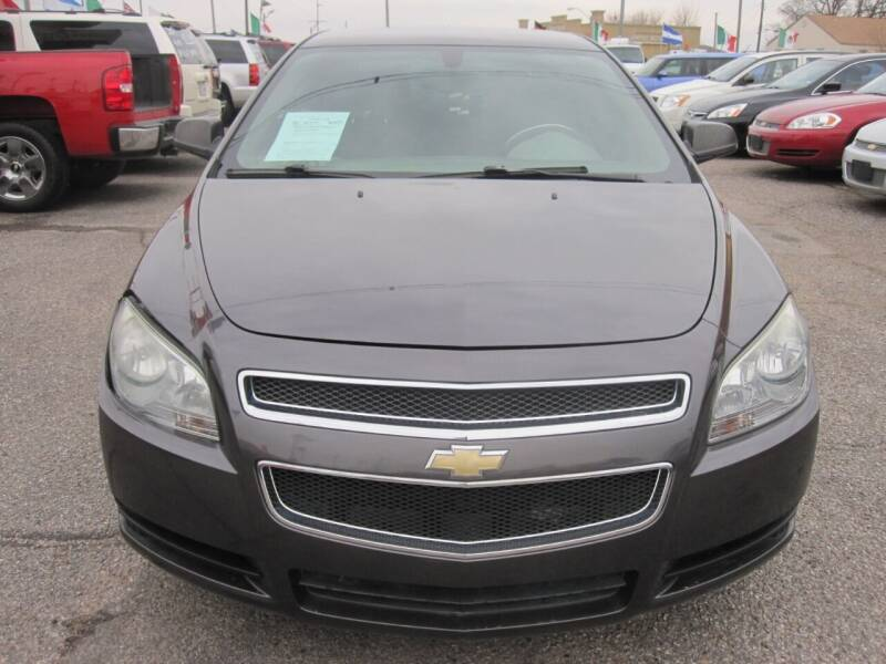 2011 Chevrolet Malibu for sale at T & D Motor Company in Bethany OK