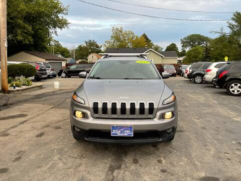 2016 Jeep Cherokee for sale at DISCOVER AUTO SALES in Racine WI