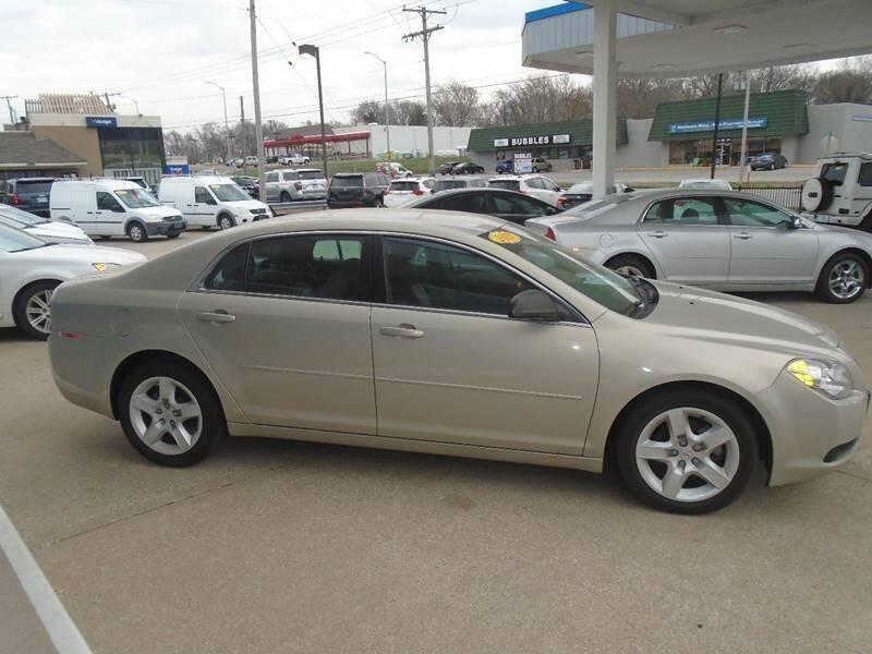 2011 Chevrolet Malibu for sale at GRC OF KC in Gladstone MO