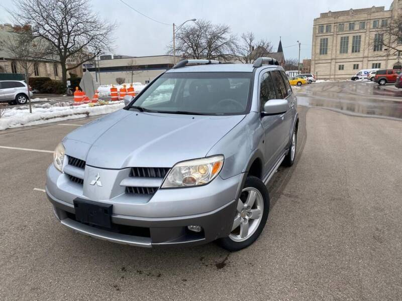 2005 Mitsubishi Outlander for sale at Your Car Source in Kenosha WI