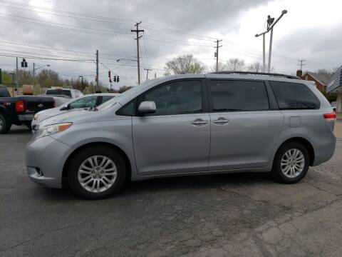 2013 Toyota Sienna for sale at COLONIAL AUTO SALES in North Lima OH